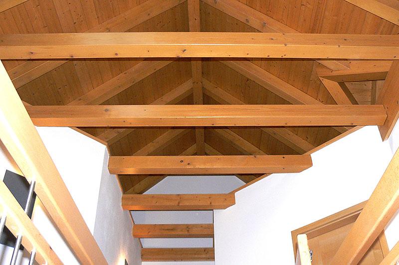 Ausgebautes Dachgeschoß mit Sichtdachstuhl